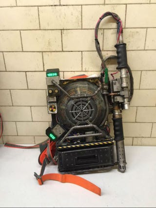Illustration for article titled The New Ghostbusters Proton Packs Look Homemade in the Best Way