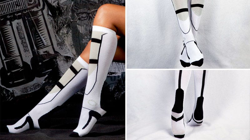 Illustration for article titled Official Portal Socks Are Awesome, Not For Long Falls