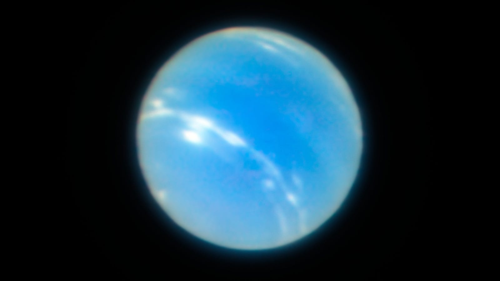 New Super-Crisp Images Of Neptune Show How Far Our Telescopes Have Come