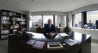 Illustration for article titled Virtual Reality Put Me Face-to-Face With Bill Clinton In His Office