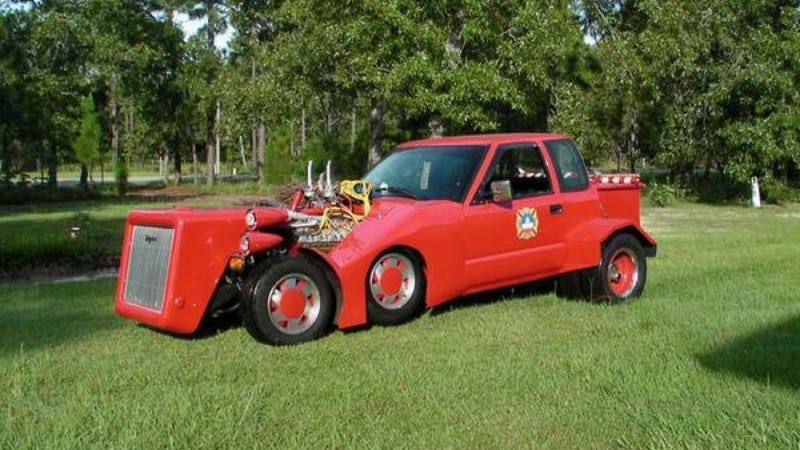 Illustration for article titled This Insane Perversion Of A Chevy S-10 Has A Fire Truck V12