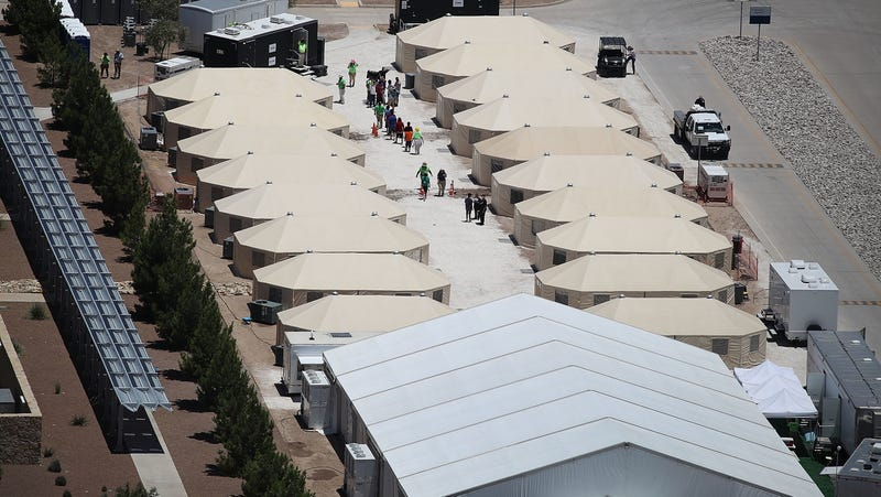 Illustration for article titled Tent City Workers in Charge of Migrant Children Reportedly Aren't Going Through Mandated FBI Fingerprint Checks