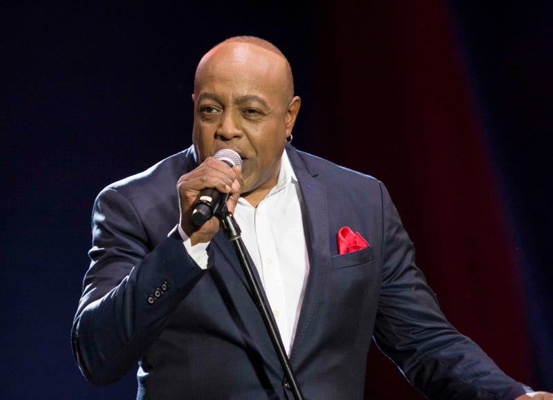 Illustration for article titled Grammy-Winning Singer Peabo Bryson Hospitalized After Suffering Heart Attack