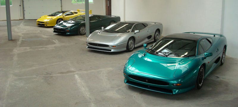 Illustration for article titled Here's A Must See For All Jaguar XJ220 Lovers