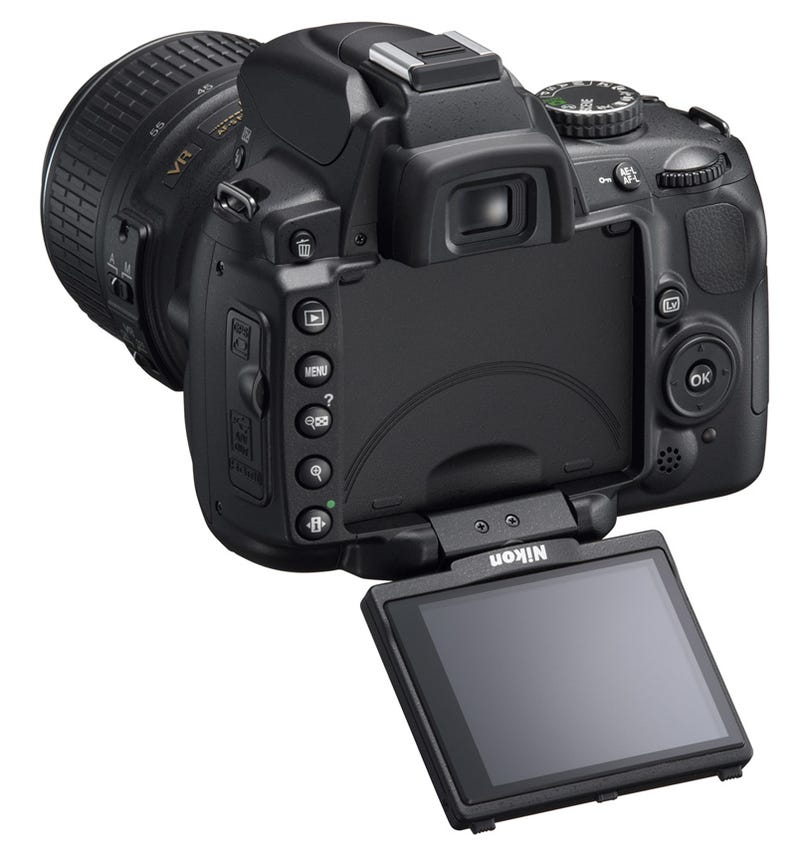 Illustration for article titled Nikon D5000 DSLR: 12.3 MP, 720p HD Video and Swivel Screen for $850