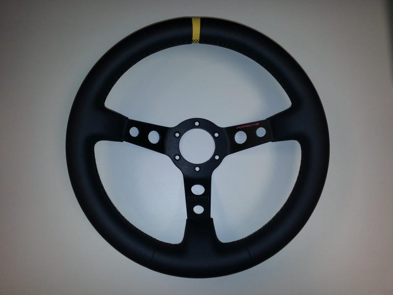 Illustration for article titled On the topic of aftermarket steering wheels