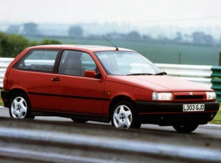 Illustration for article titled Long Lost Hot Hatches - Fiat Tipo Sedicivalvole