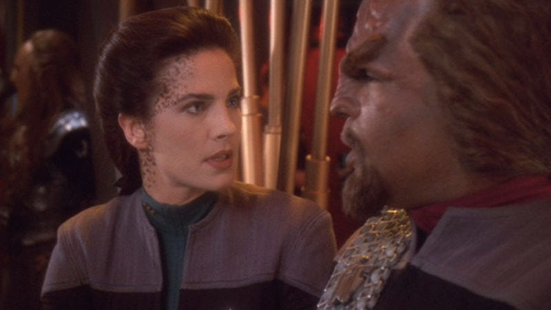 "when do dax and worf start dating Thankfully ""change of heart"" avoids this trap, and the scenes between dax and worf are some of the best the show has ever done the cold open when she finds the truth about mom (or a truth, anyway), she starts plotting revenge, even planting a bomb inside meru and dukat's quarters how does this."