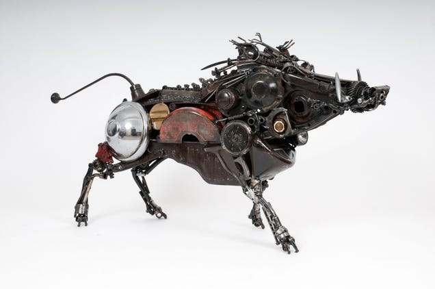 These Sculptures Turn Car Parts Into An Entire Animal Kingdom
