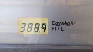 Illustration for article titled 400 alá ment a benzin ára, és mintha a Názáreti Jézus jött volna el!