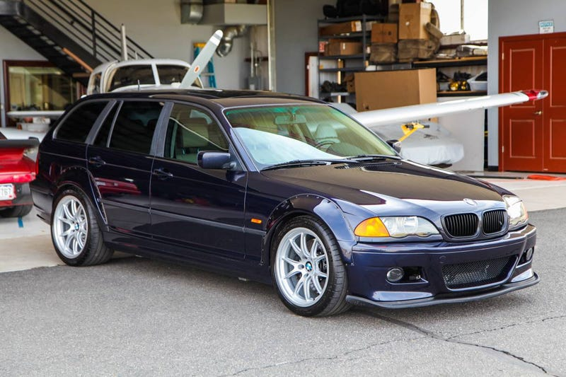 Illustration for article titled Does This Custom S54-Rocking 2001 BMW 325iX Touring Have the Balls to Ask $26,500?