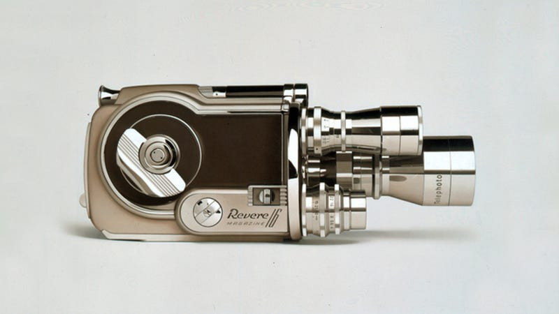Illustration for article titled 12 Photorealistic Paintings of Handsome Vintage Gadgets