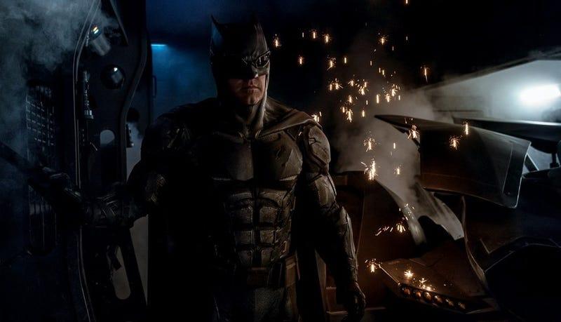 Illustration for article titled Este es el nuevo traje táctico que Batman usará en la película de Justice League