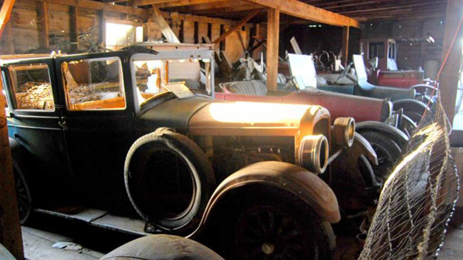 an oregon ghost town 39 s abandoned car museum. Black Bedroom Furniture Sets. Home Design Ideas