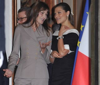 Illustration for article titled Carla Bruni And Princess Victoria Share Their Stain-Removal Tips