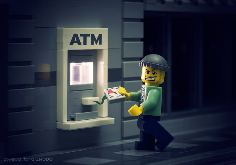 Illustration for article titled How Anyone Can Fake an ATM and Steal Your Money