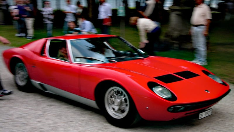 Illustration for article titled This Lamborghini Miura is a daily driver