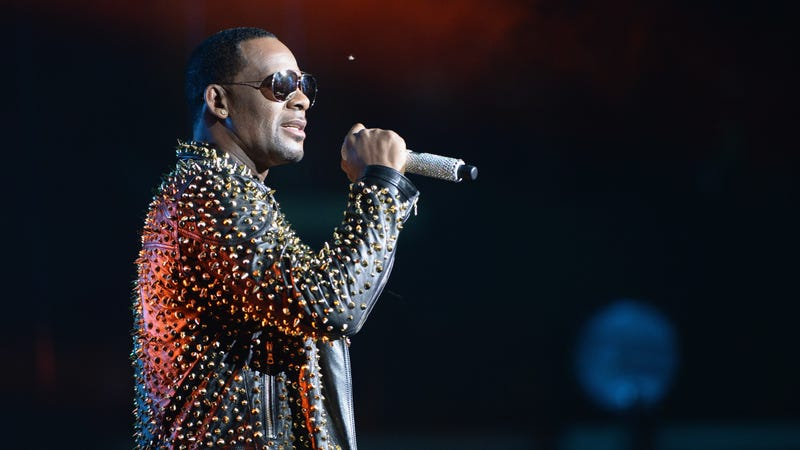 Illustration for article titled Could R. Kelly's New Song 'I Admit' Be Considered Evidence?