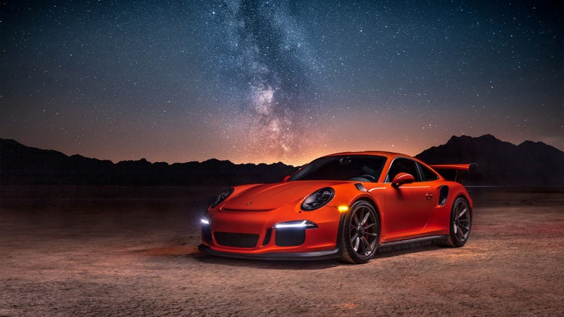 Illustration for article titled Your Ridiculously Awesome Porsche 911 GT3 RS Wallpaper Is Here