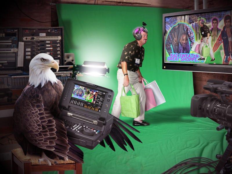 EAGLE TEACHES MEN HOW TO SHOP USING VIRTUAL REALITY (from trueamericandog.com)
