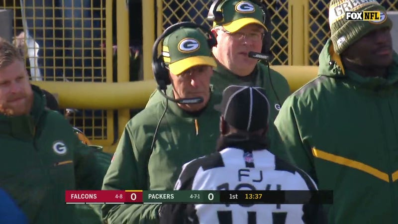 Illustration for article titled Packers' Joe Philbin Runs Out Of Challenges 83 Seconds Into The Game