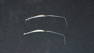 Illustration for article titled Turn a Bra Underwire Into a Lock Pick