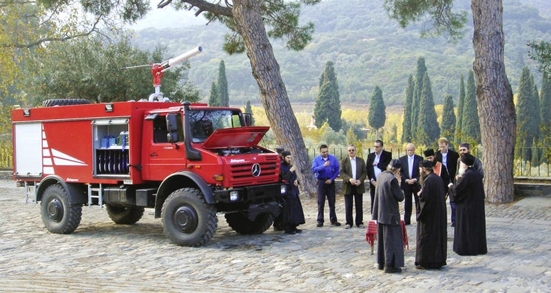 Illustration for article titled Firefighting Monks Always Choose A Unimog