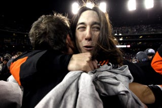 Illustration for article titled Tim Lincecum Did Handstands And Puked At A New York Club, And Other Unconfirmed Athlete Stories From Yelp Reviews