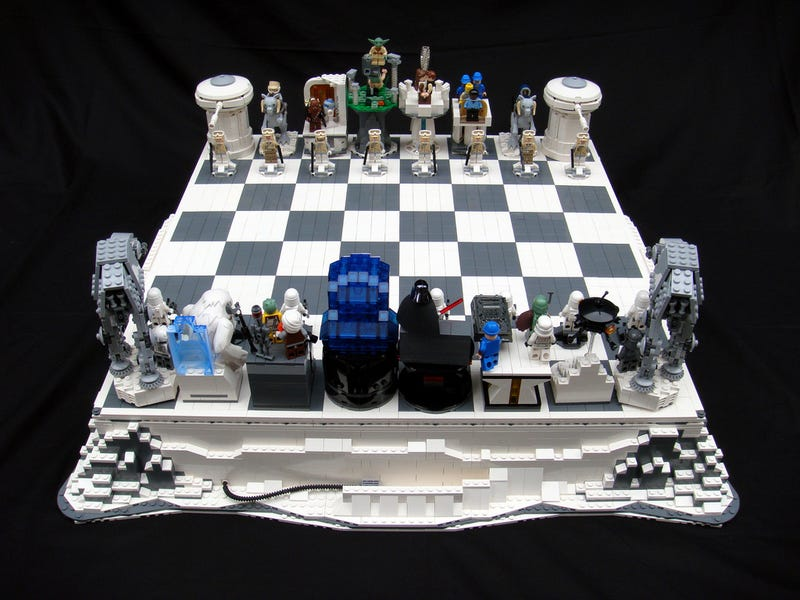 Illustration for article titled Empire Strikes Chess Gallery