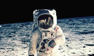 Illustration for article titled Buzz Aldrin's Caption for This Iconic Apollo 11 Photo Is Perfect