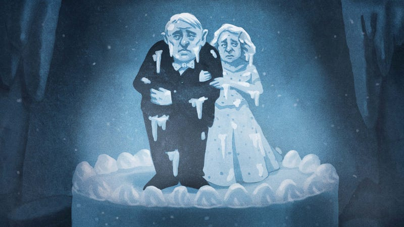 Illustration for article titled Is it safe to save your wedding cake for future anniversaries?