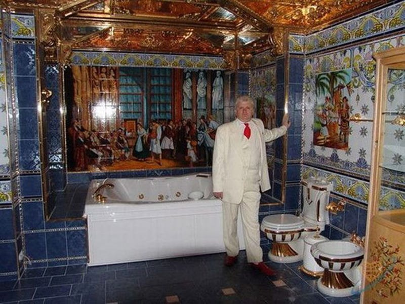 Illustration for article titled Gold Chair, Gold Stove, Gold Everything: Your Serbian Bachelor Awaits