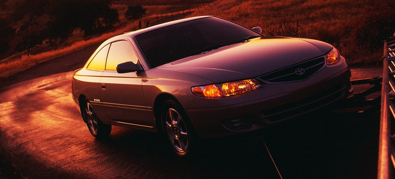 Illustration for article titled The Toyota Solara Was A Car That Did Exist