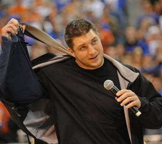 Illustration for article titled Tim Tebow Is Really Starting To Push It