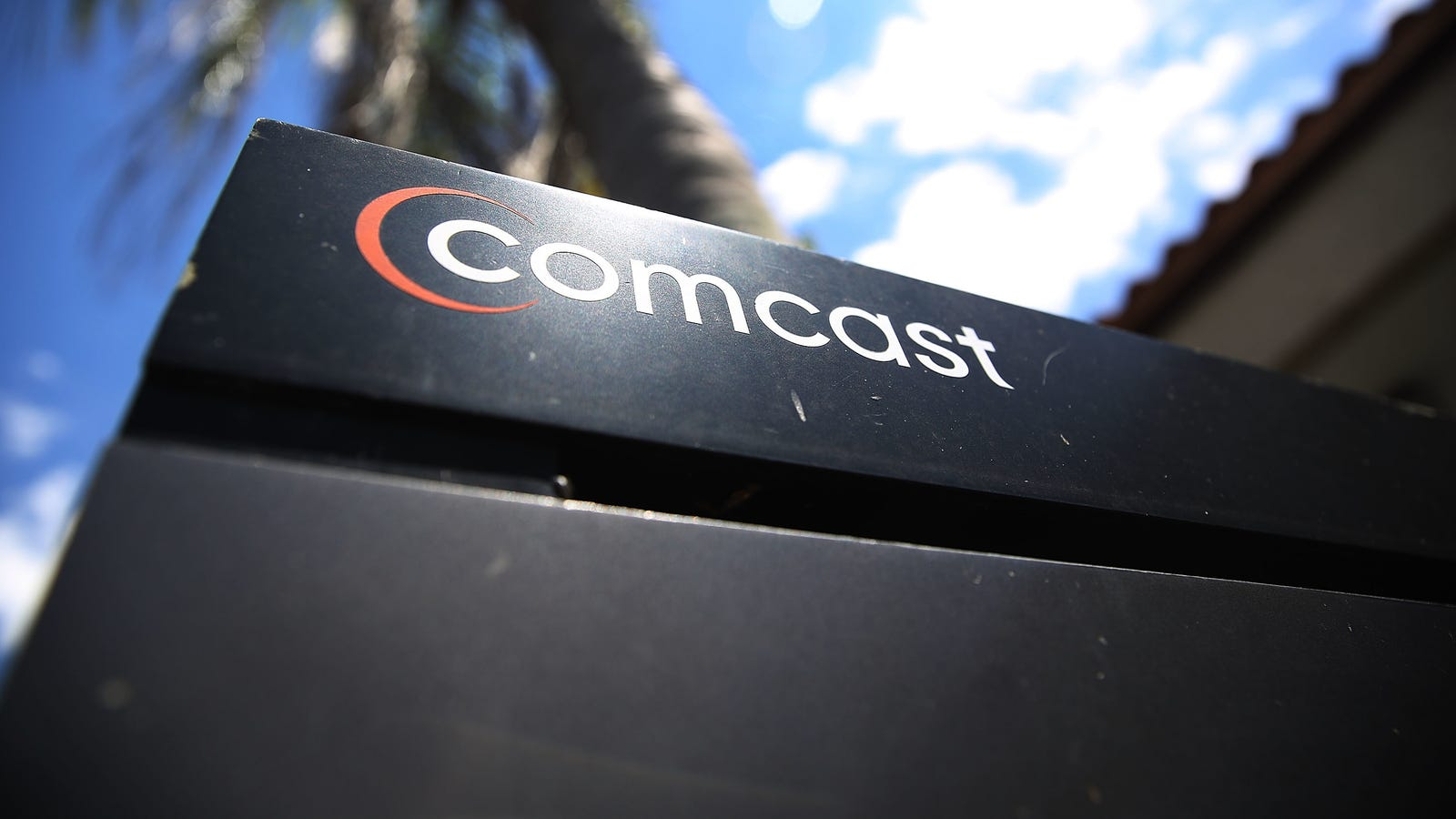 photo image Comcast Finds New Way to Screw Over Customers By Charging Unnecessary $90 Installation Fee