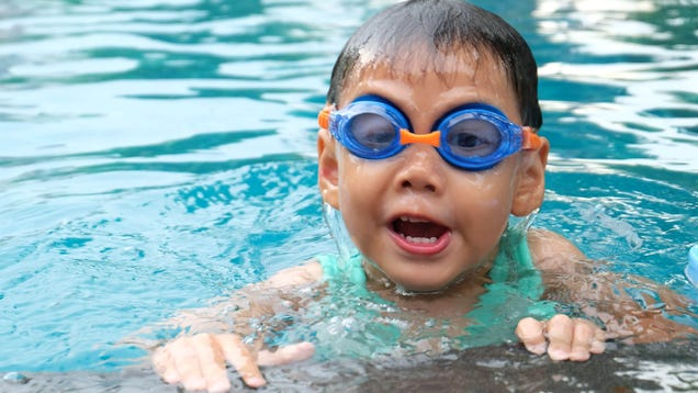 Start Teaching Your Kids to Swim at Age 1, According to the AAP
