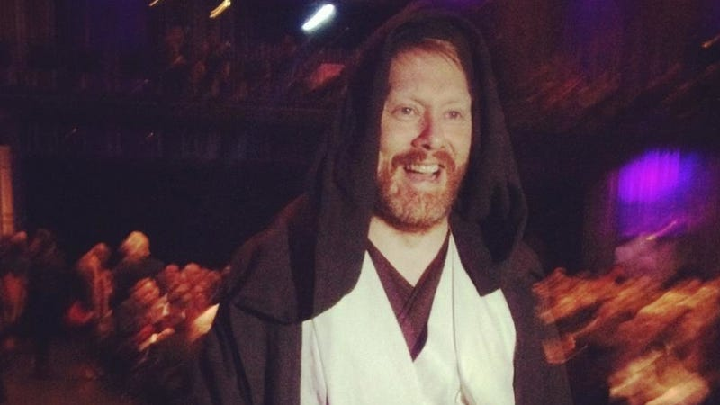 Illustration for article titled And now, the mayor of Iceland's capital dressed as Obi-Wan Kenobi