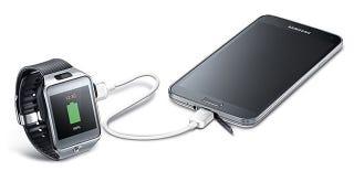 Illustration for article titled Samsung idea un cable para compartir batería entre tus equipos Galaxy