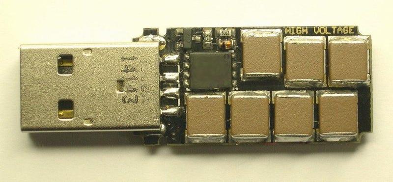 Este USB-bomba casero quema un ordenador nada más conectarlo