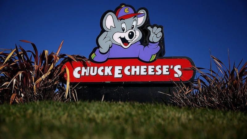 An exhaustive history of Chuck E  Cheese's terrifying robot band