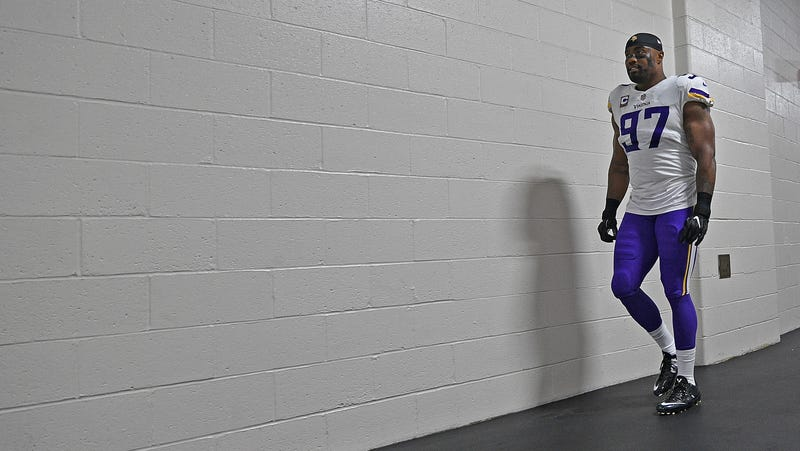 870bcc47c Police Report  Vikings  Everson Griffen Jumped Out Of An Ambulance On His  Way To Mental Health Evaluation