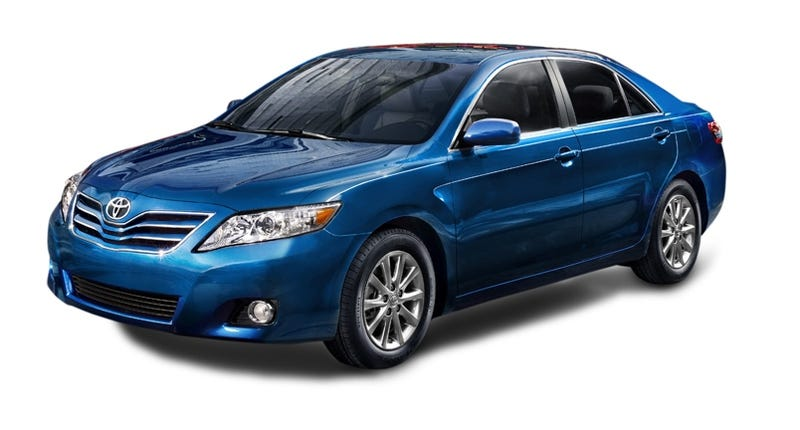Illustration for article titled 2010 Toyota Camry: New Mid-Size Unveiled At Detroit