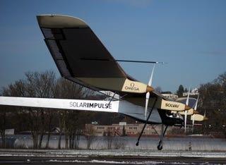 Illustration for article titled Captain Piccard's Solar Powered Plane Flies, Kinda