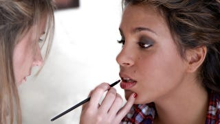 Illustration for article titled School Gets in Trouble for Teaching Kids How to Put on Make-Up