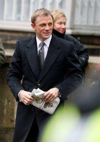 Illustration for article titled Daniel Craig As Bond: Predictably Dapper