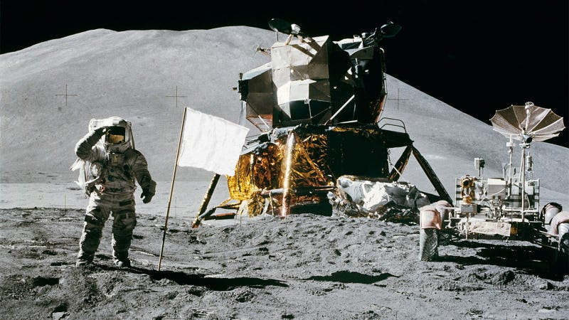 Illustration for article titled All the American Flags On the Moon Are Now White
