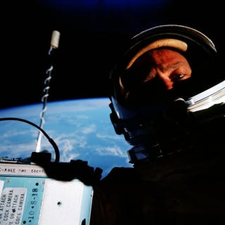 Illustration for article titled Buzz Aldrin: Second Man on the Moon, But First to Take a Space Selfie