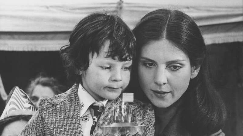 Harvey Stephens and Holly Palance in The Omen (Photo: Stanley Bielecki Movie Collection/Getty Images)