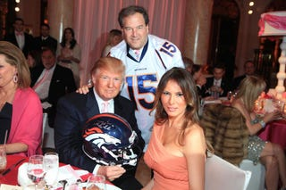 Illustration for article titled Donald Trump Has To Give Up Autographed Tim Tebow Gear He Bought With Charity Money. Sad!