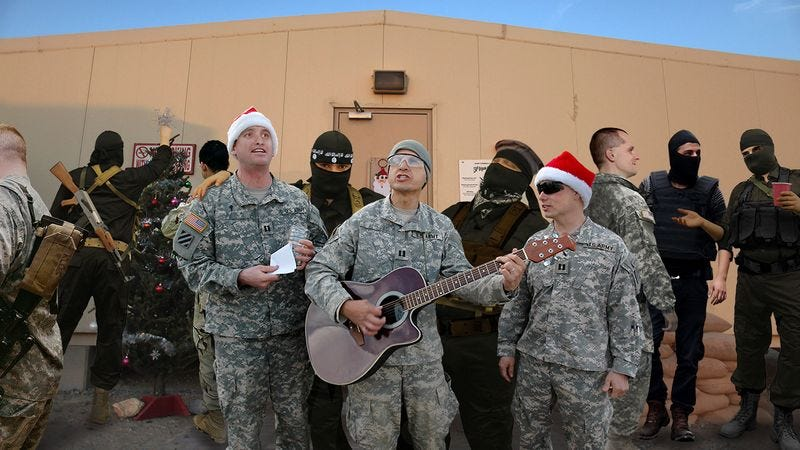 Illustration for article titled Heartwarming: American And ISIS Forces Came Together To Celebrate Christmas